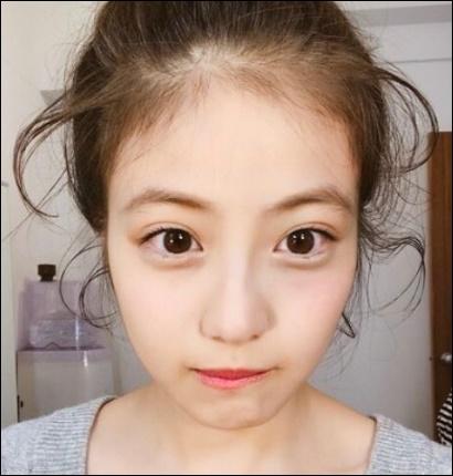 今田美桜の眉毛や前髪、おでこがかわいい!顔が小さいが目と二重